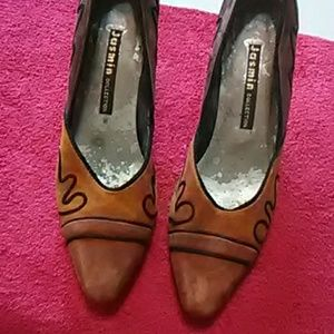 Vintage leather pumps